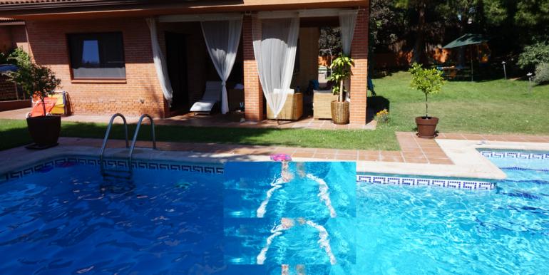 18 Casa piscina